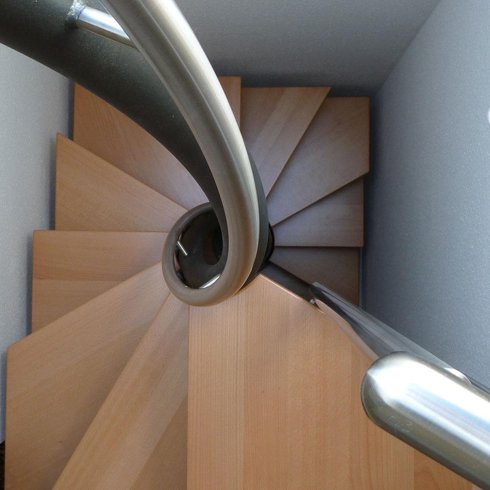 Runde Raumspartreppe ohne Geländer