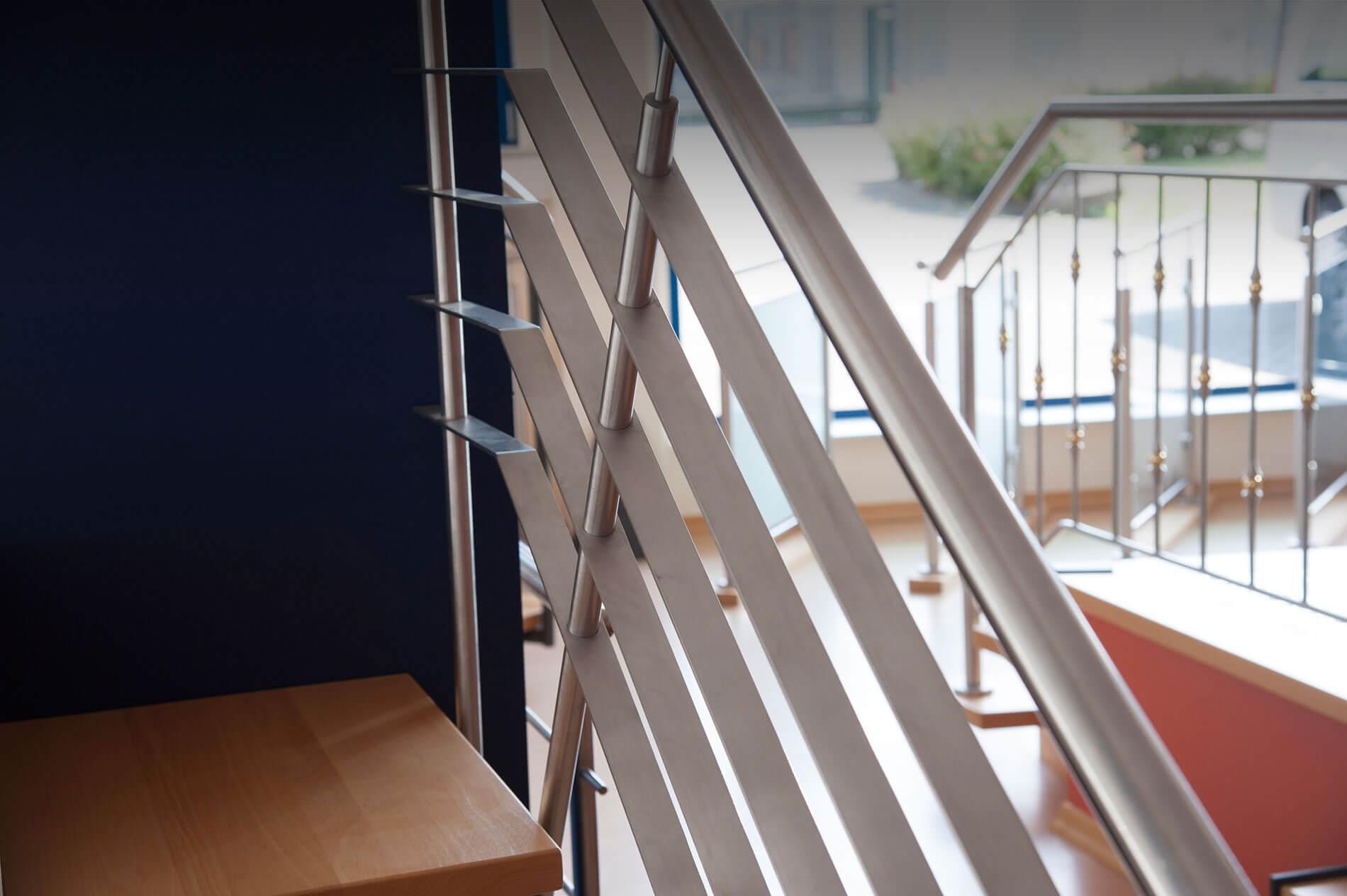 oberb rsch design edles aus stahl. Black Bedroom Furniture Sets. Home Design Ideas